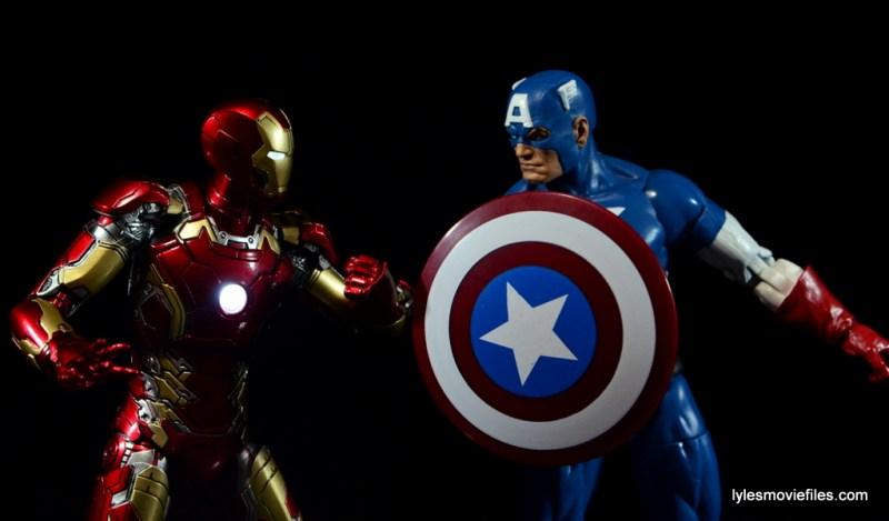 Iron Man Mark 43 Comicave Studios Omni Class Scale figure - Iron Man vs Captain America
