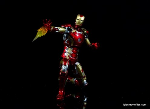 Iron Man Mark 43 Comicave Studios Omni Class Scale figure - kneeling and firing