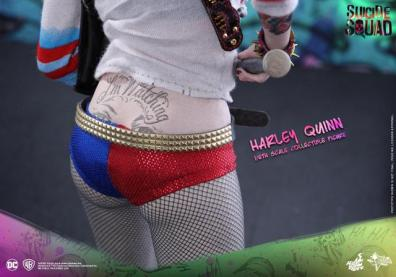 Hot Toys Harley Quinn Suicide Squad figure - rear close up