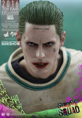 Hot Toys The Joker Arkham Asylum version -tight shot of face