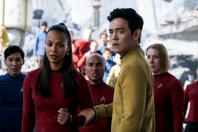Star Trek Beyond -Uhura and Mr. Sulu-min