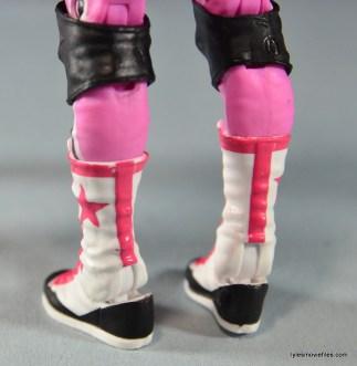 WWE Elite 43 Hart Foundation figures - Hitman boot rear