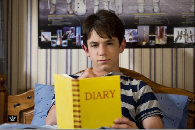 diary-of-a-whimpy-kid-dog-days-greg-heffley