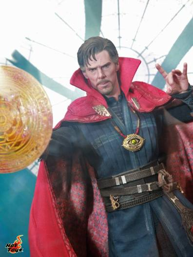 AGCHK 2016 - Hot Toys Doctor Strange straight