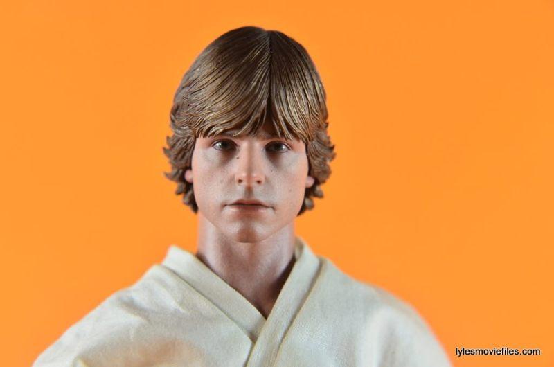 Hot Toys Luke Skywalker figure review - face close up