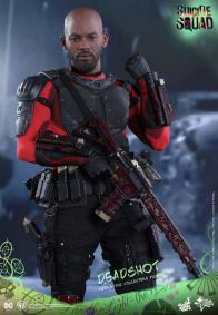 Hot Toys Suicide Squad Deadshot figure -ready for battle