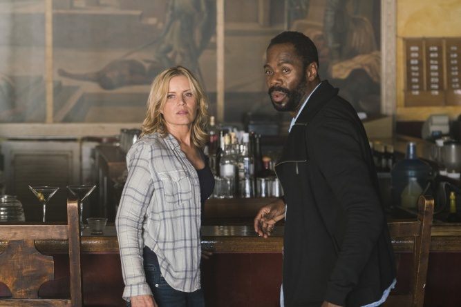 fear-walking-dead - Madison and Strand