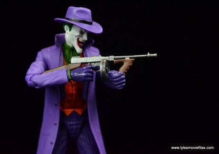 dc-icons-the-joker-figure-review-holding-tommy-gun
