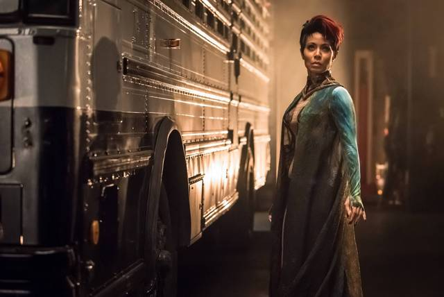 gotham-transference-review-jada-pinkett-smith-as-fish-mooney