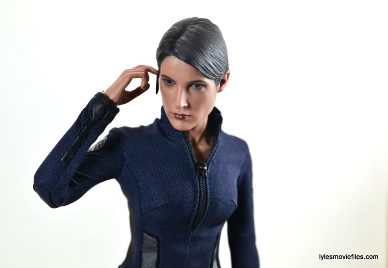 Hot Toys Maria Hill figure -touching ear piece