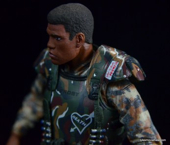 neca-aliens-series-9-frost-figure-review-shoulder-armor-detail