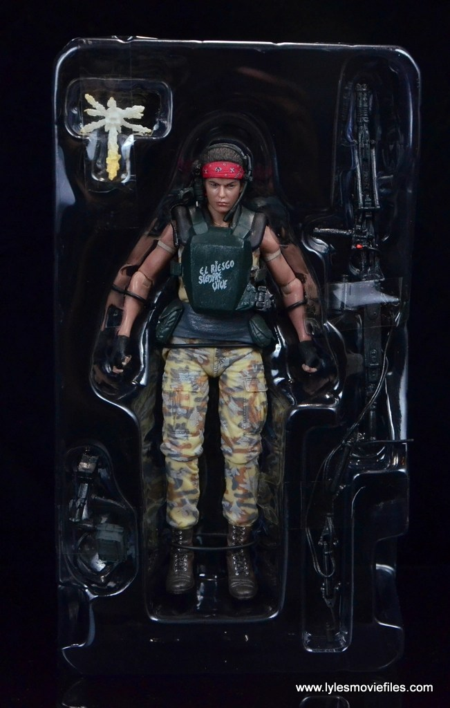 neca-aliens-series-9-pvt-jenette-vasquez-accessories-in-tray
