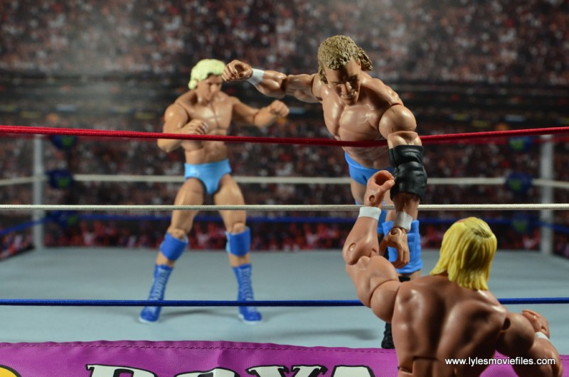 wwe-basic-sid-justice-royal-rumble-92-hogan-pulling-sid-out