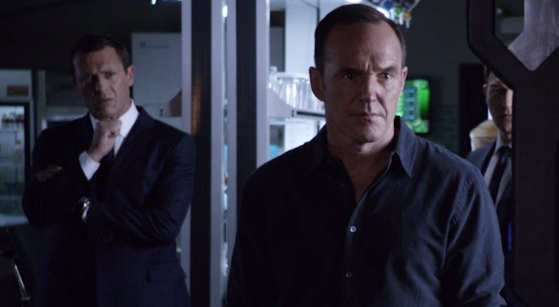 agents-of-shield-uprising-mace-and-coulson