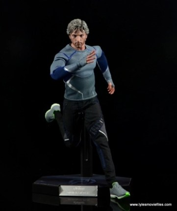 Hot Toys Quicksilver figure review - running straight