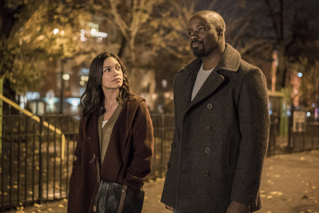 luke-cage-manifest-claire-and cage