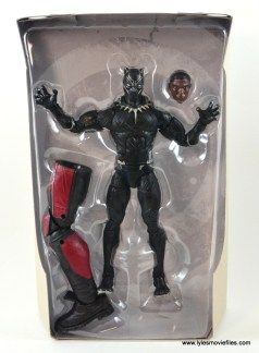 marvel-legends-black-panther-civil-war-figure-accessories-and-figure-in-tray