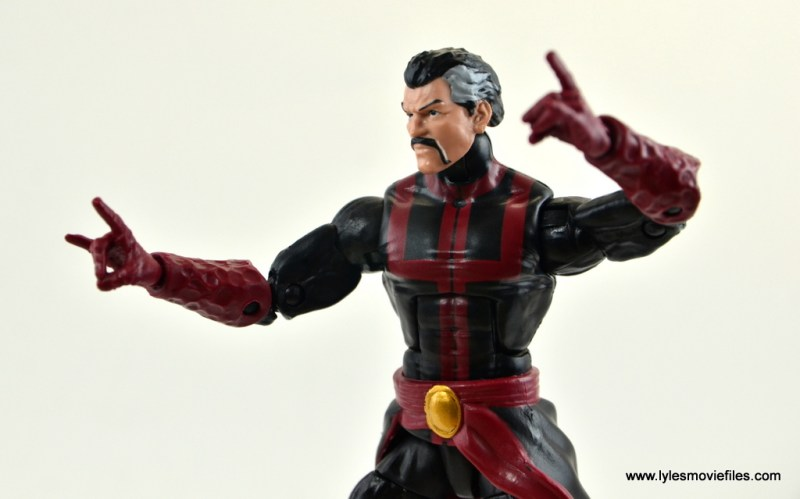 marvel-legends-doctor-strange-figure-review-conjuring