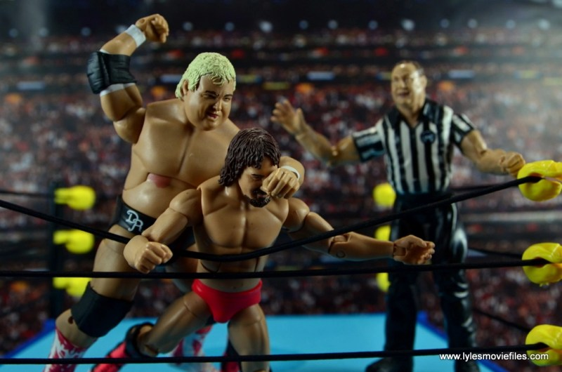 wwe-hall-of-fame-dusty-rhodes-figure-review-attacking-terry-funk