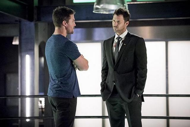 arrow-the-human-target-review-oliver-and-christopher-chance