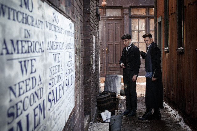 Fantastic-Beasts-and-Where-to-Find-Them-review-Credence-and-Percival