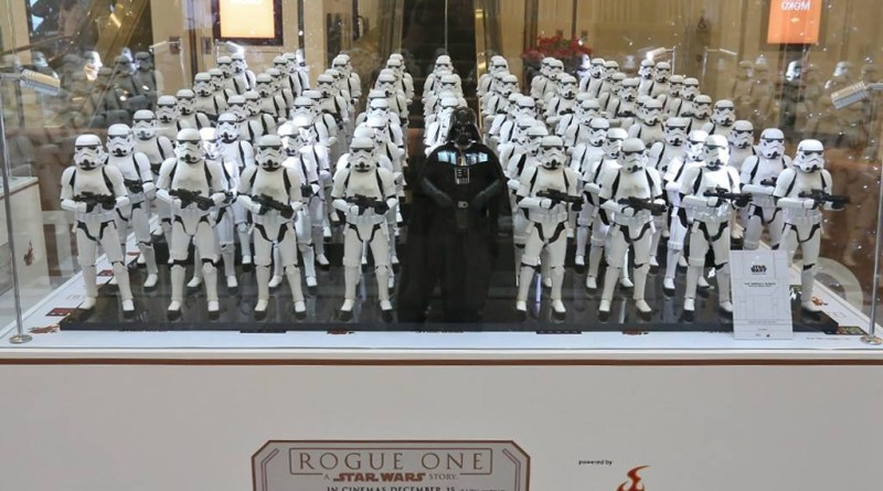 hot-toys-pop-up-store-moko-wide-darth-vader-rogue-one-star-wars-diorama
