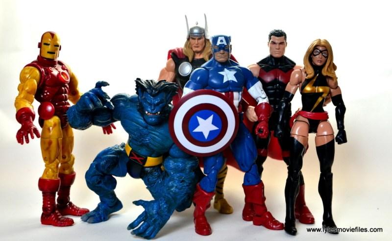 marvel-legends wonder man figure-review-avengers-iron-man-beast-thor-captain-america-and-warbird