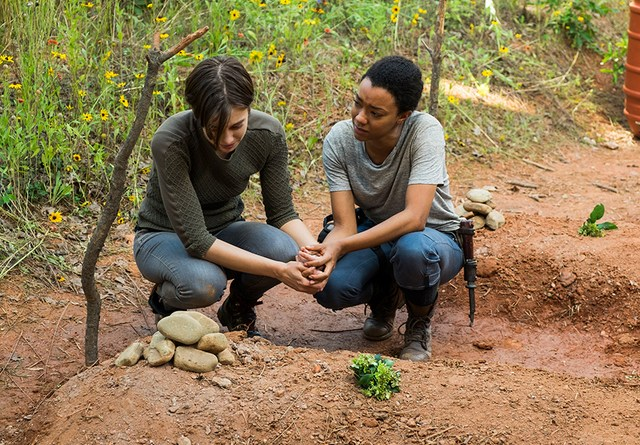 the-walking-dead-go-getters-review-maggie-and-sasha