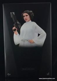 Hot Toys Princess Leia figure review -front package