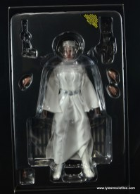 Hot Toys Princess Leia figure review - in plastic tray