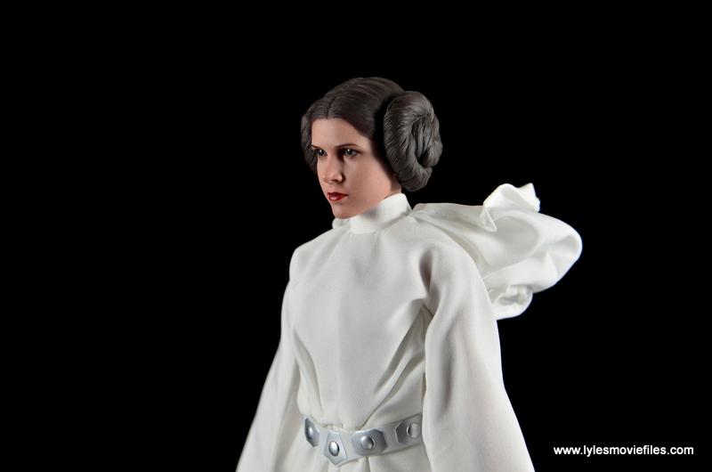 Hot Toys Princess Leia figure review -side shot
