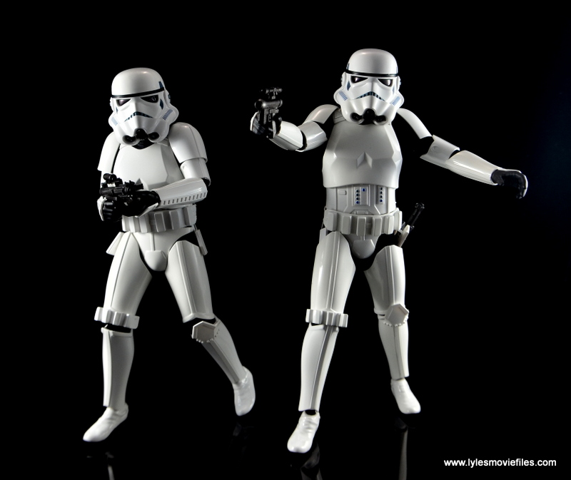 Hot Toys Stormtroopers figure review - aiming