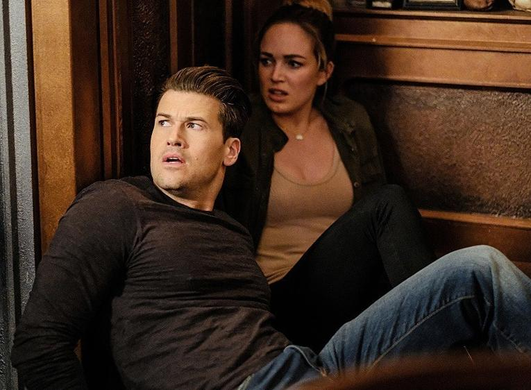 Legends of Tomorrow The Chicago Way review - Nate and Sara