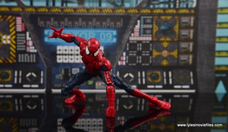 Marvel Legends The Raft figure review Spider-Man crouching