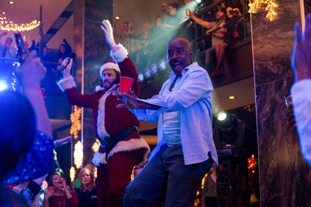 Office Christmas Party-review-TJ-Miller-and-Courtney-B.-Vance