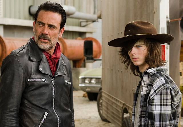 the-walking-dead-sing-me-a-song-review-negan-and-carl