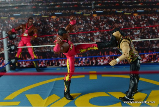 WWE Elite 46 Harlem Heat figure review - big boot to Saggs