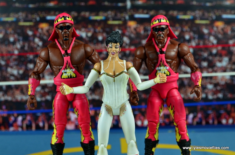 WWE Elite 46 Harlem Heat figure review - with head wraps and Sister Sherri