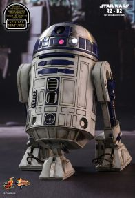 Hot Toys Star Wars The Force Awakens R2-D2 figure -lit up