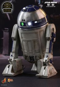 Hot Toys Star Wars The Force Awakens R2-D2 figure - right rear