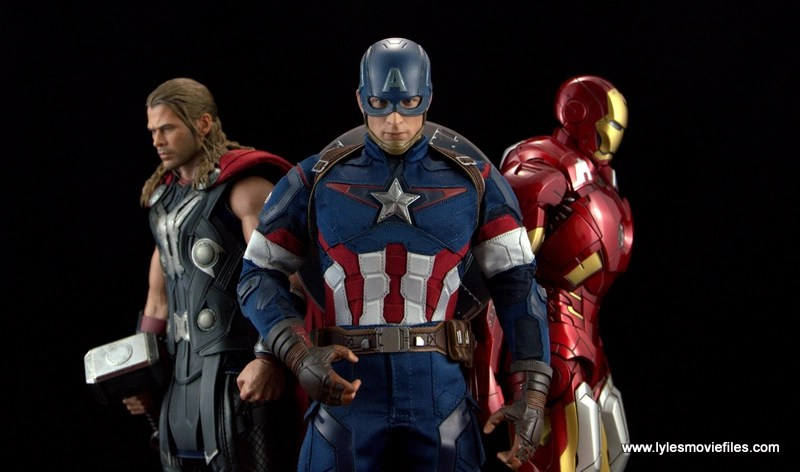Hot Toys Thor figure review Avengers Age of Ultron Thor - Thor, Captain America and Iron Man