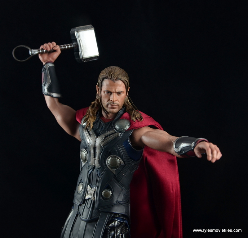 Hot Toys Thor figure review Avengers Age of Ultron -ready to smash