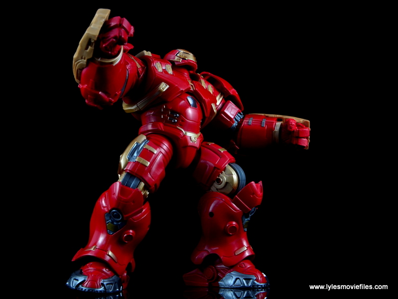 Marvel Legends Hulkbuster Iron Man figure review - ready for battle