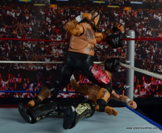 WWE Elite 40 Umaga figure review - knee smash into the corner