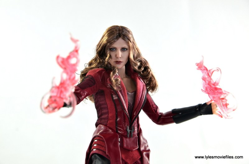Hot Toys Scarlet Witch figure review - powered up
