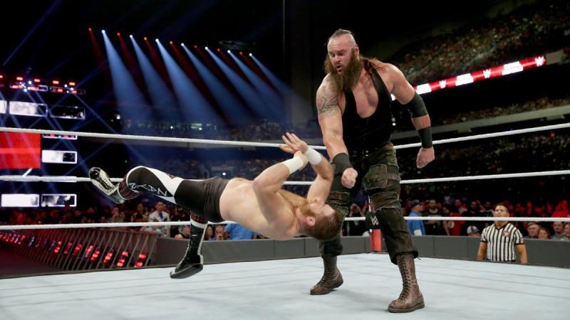 WWE Royal Rumble 2017 - Braun Strowman vs Sami Zayn