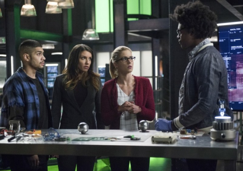 Arrow Fighting Fire with Fire review - Rene, Dinah, Felicity and Curtis