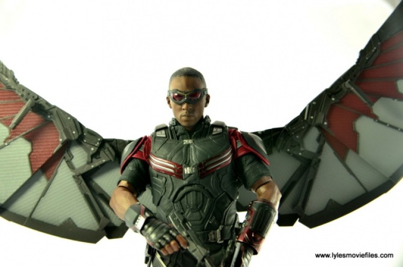 Hot Toys Captain America Civil War Falcon figure review -closeup wings up