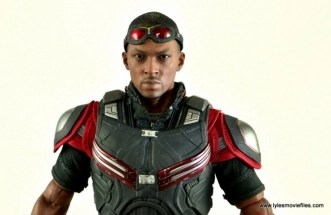 Hot Toys Captain America Civil War Falcon figure review -head close up