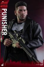 Hot Toys Netflix The Punisher figure -resting sniper rifle